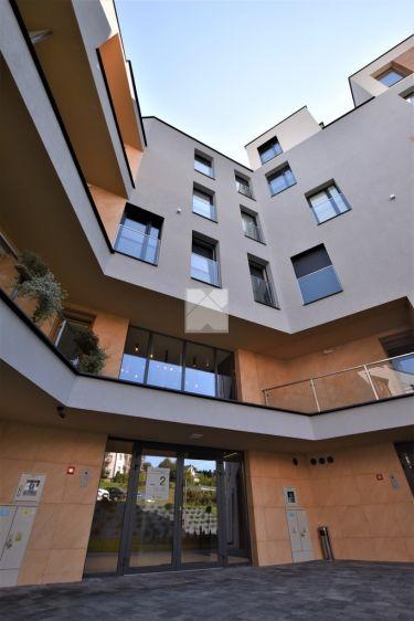 63m2 apartament w nowoczesnym budynku / Bielskiego