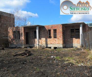 Rozpoczęta budowa domu mieszkalno-usługowego