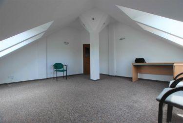 Lokal 26 m2, duży parking, Sady