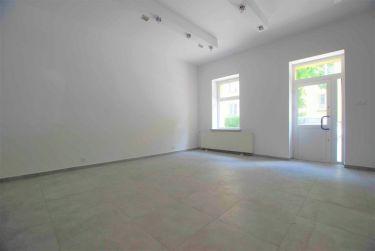 Lokal parterowy w centrum  67 m2