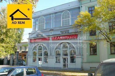 Lublin, 1 Maja, obiekt biurowo-usługowy