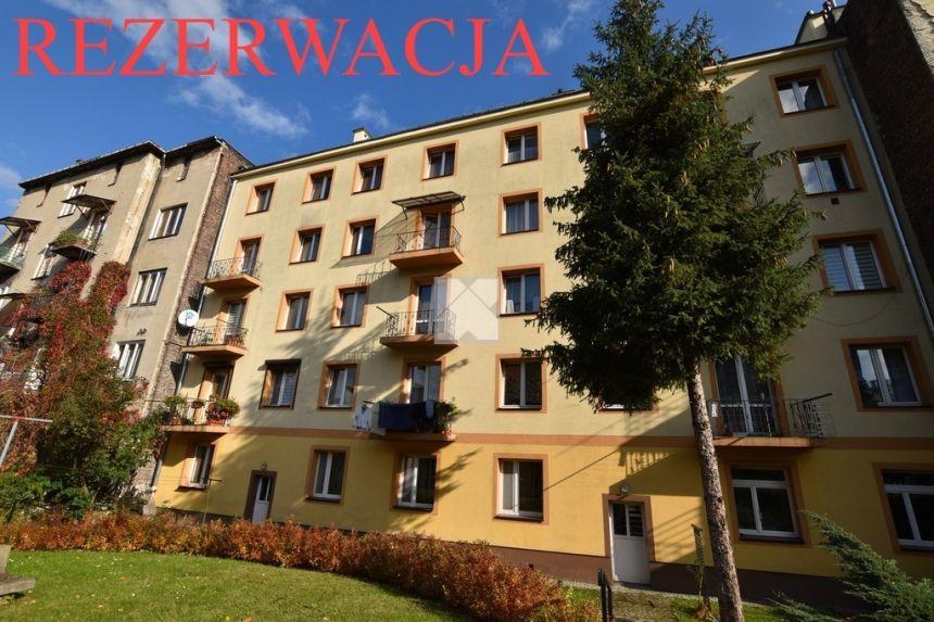 Mieszkanie 28,5m2 położone na parterze w bloku miniaturka 1