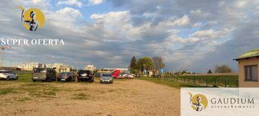 Atrakcyja działka usługowa przy lotnisku.