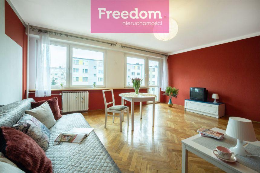 Mieszkanie na spokojnym osiedlu do odświeżenia! miniaturka 5